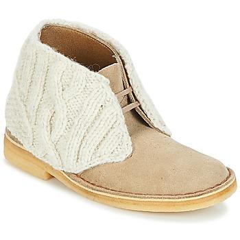 Sapatos Mulher Botas baixas Clarks DESERT BOOT Areia