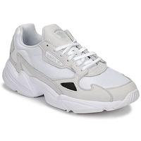 Sapatos Mulher Sapatilhas adidas Originals FALCON W Branco