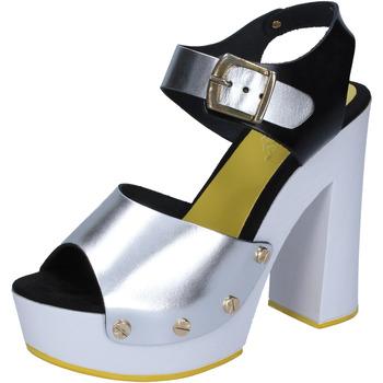 Sapatos Mulher Escarpim Suky Brand Sandálias BS16 Prata
