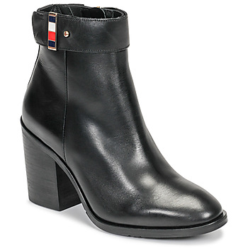 Sapatos Mulher Botins Tommy Hilfiger CORPORATE HARWARE BOOTIE Preto