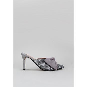 Sapatos Mulher Tamancos Roberto Torretta  Cinza
