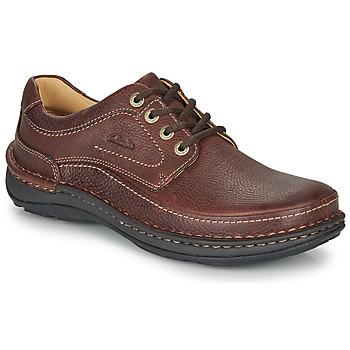 Sapatos Homem Sapatos Clarks NATURE THREE Castanho