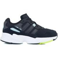 Sapatos Rapariga Sapatilhas adidas Originals YUNG96 J Preto