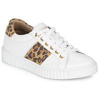 Sapatos Rapariga Sapatilhas Bullboxer LORIS Branco / Leopardo
