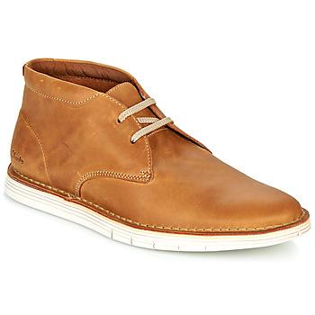 Sapatos Homem Sapatos Clarks FORGE STRIDE Castanho