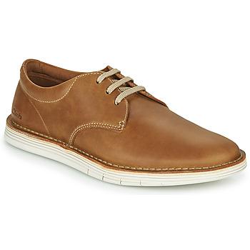 Sapatos Homem Sapatos Clarks FORGE VIBE Castanho