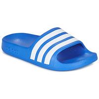 Sapatos Rapaz chinelos adidas Performance ADILETTE AQUA K Azul / Branco
