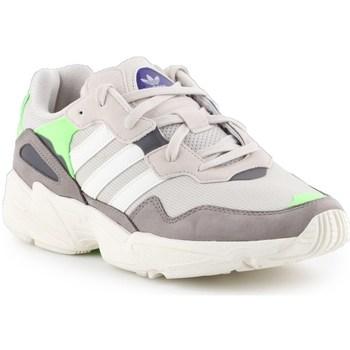 Sapatos Homem Sapatilhas adidas Originals YUNG96 Cinzento, Cor bege
