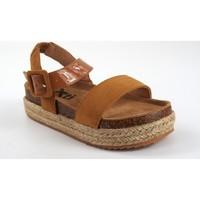Sapatos Rapariga Sandálias Xti Sandália de menina em couro  57210 Marron