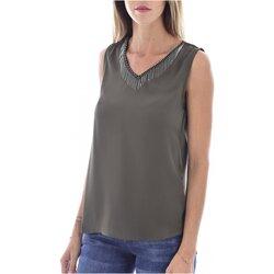 Textil Mulher Tops / Blusas Molly Bracken G663A19 Verde