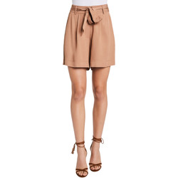 Textil Mulher Shorts / Bermudas Gaudi 011FD25016 Bege