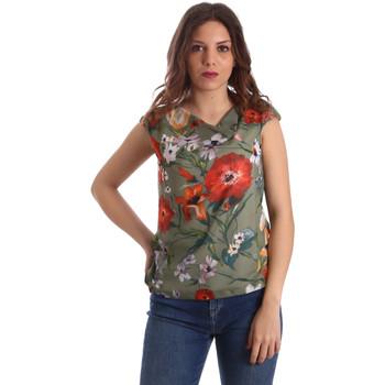 Textil Mulher Tops / Blusas NeroGiardini P962570D Verde