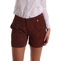 Textil Mulher Shorts / Bermudas Gaudi 73BD25209 Preto