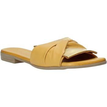 Sapatos Mulher Chinelos Bueno Shoes 9L2735 Amarelo