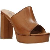 Sapatos Mulher Chinelos Grace Shoes 492PL008 Castanho