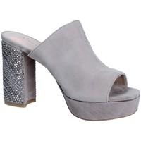 Sapatos Mulher Chinelos Alma En Pena V18256 Cinzento
