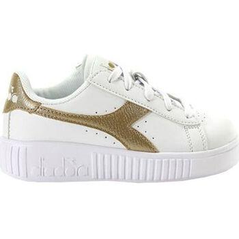 Sapatos Criança Sapatilhas Diadora game step ps c1070 Ouro