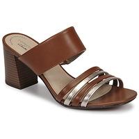 Sapatos Mulher Chinelos Clarks JOCELYNNE ANDI Castanho / Prateado