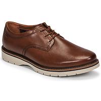 Sapatos Homem Sapatos Clarks BAYHILL PLAIN Castanho