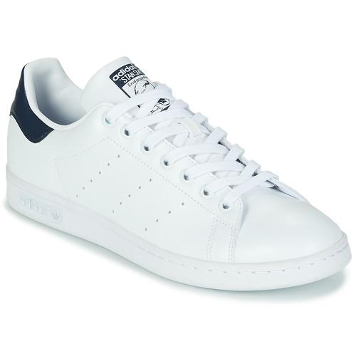 Sapatos Sapatilhas adidas Originals STAN SMITH SUSTAINABLE Branco / Marinho