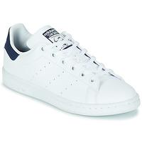 Sapatos Criança Sapatilhas adidas Originals STAN SMITH J SUSTAINABLE Branco / Marinho