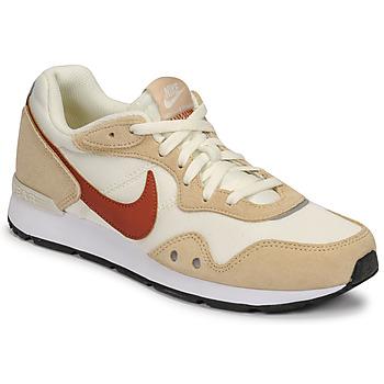 Sapatos Mulher Sapatilhas Nike NIKE VENTURE RUNNER Bege / Castanho