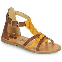 Sapatos Rapariga Sandálias Citrouille et Compagnie GITANOLO Amarelo / Camel