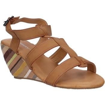 Sapatos Mulher Sandálias Urban B031590-B7200 Marr?n