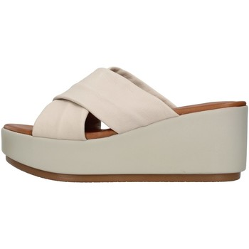 Sapatos Mulher Chinelos Inuovo 123027 Bege