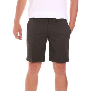 Textil Homem Shorts / Bermudas Colmar 0864T 8SP Verde