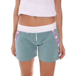 Textil Mulher Shorts / Bermudas Colmar 9005 6TJ Verde