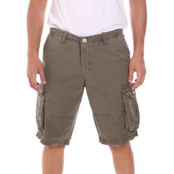 Textil Homem Shorts / Bermudas Gaudi 111GU25042 Verde