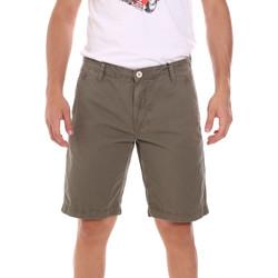 Textil Homem Shorts / Bermudas Gaudi 111GU25043WH Verde