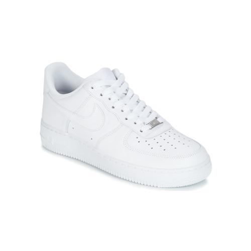 3b1fe9463f3 Nike AIR FORCE 1 07 Branco - Entrega gratuita com a Spartoo.pt ...