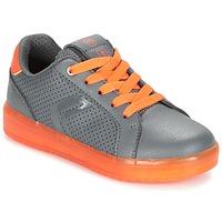 Sapatos Rapaz Sapatilhas Geox J KOMMODOR B.B Cinza / Laranja