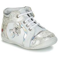 Sapatos Rapariga Botas baixas GBB SONIA Branco / Prata