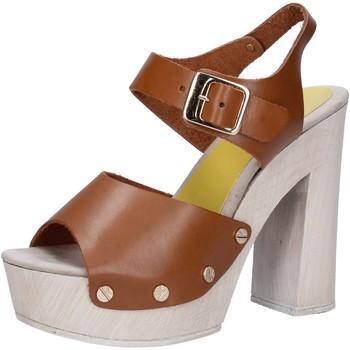 Sapatos Mulher Sandálias Suky Brand Sandálias AC482 Castanho