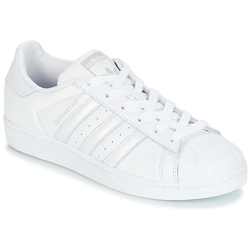 1f1617796bd adidas Originals SUPERSTAR W Branco   Prata - Entrega gratuita com a ...