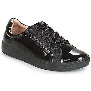 Sapatos Mulher Sapatilhas André THYMIE Preto